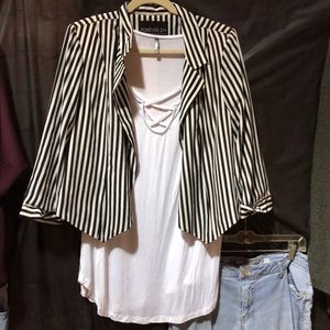 Forever 21 Black and white striped cropped blazer